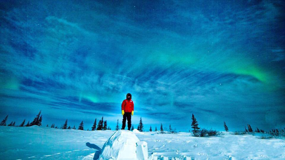 Igloo and northern lights in Churchill, Manitoba