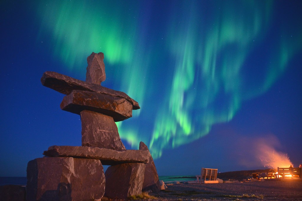 Nothern lights Inukshuk Churchill, Manitoba