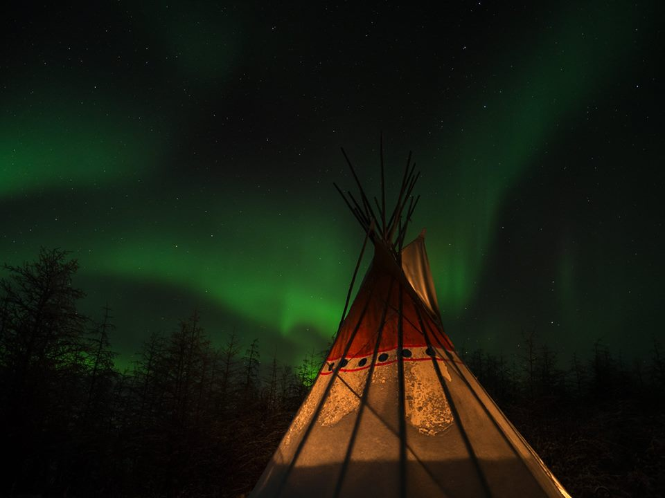 aurora borealis and Wapusk tee pee in Churchill