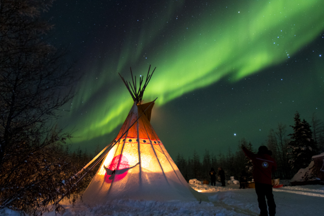 aurora borealis in Churchill, Wapusk Adventures